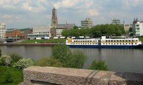 Arnhem_river_2003_01